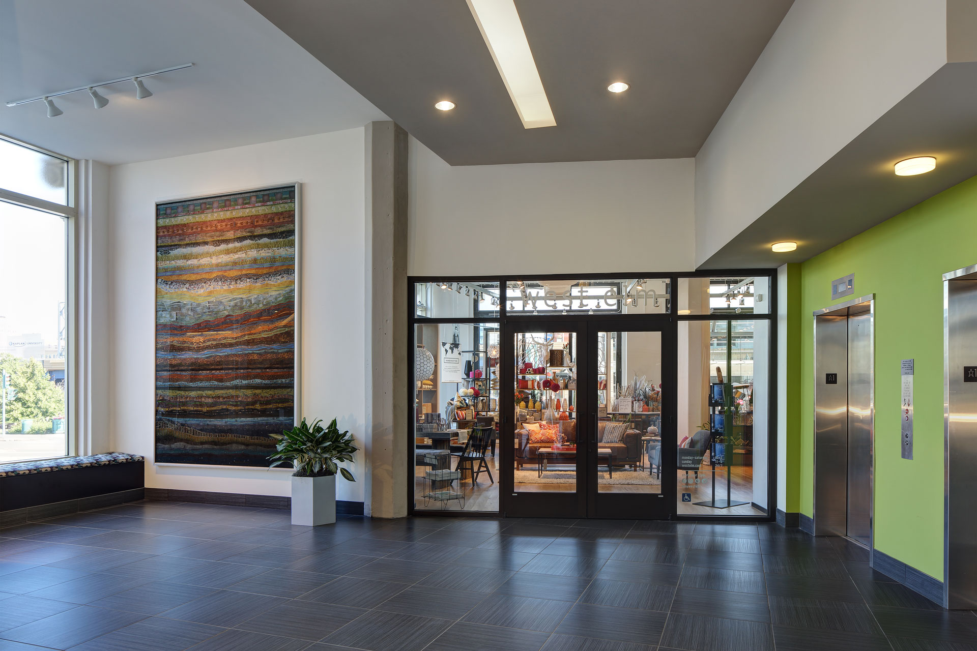 the-mayer-gallery-Lobby1